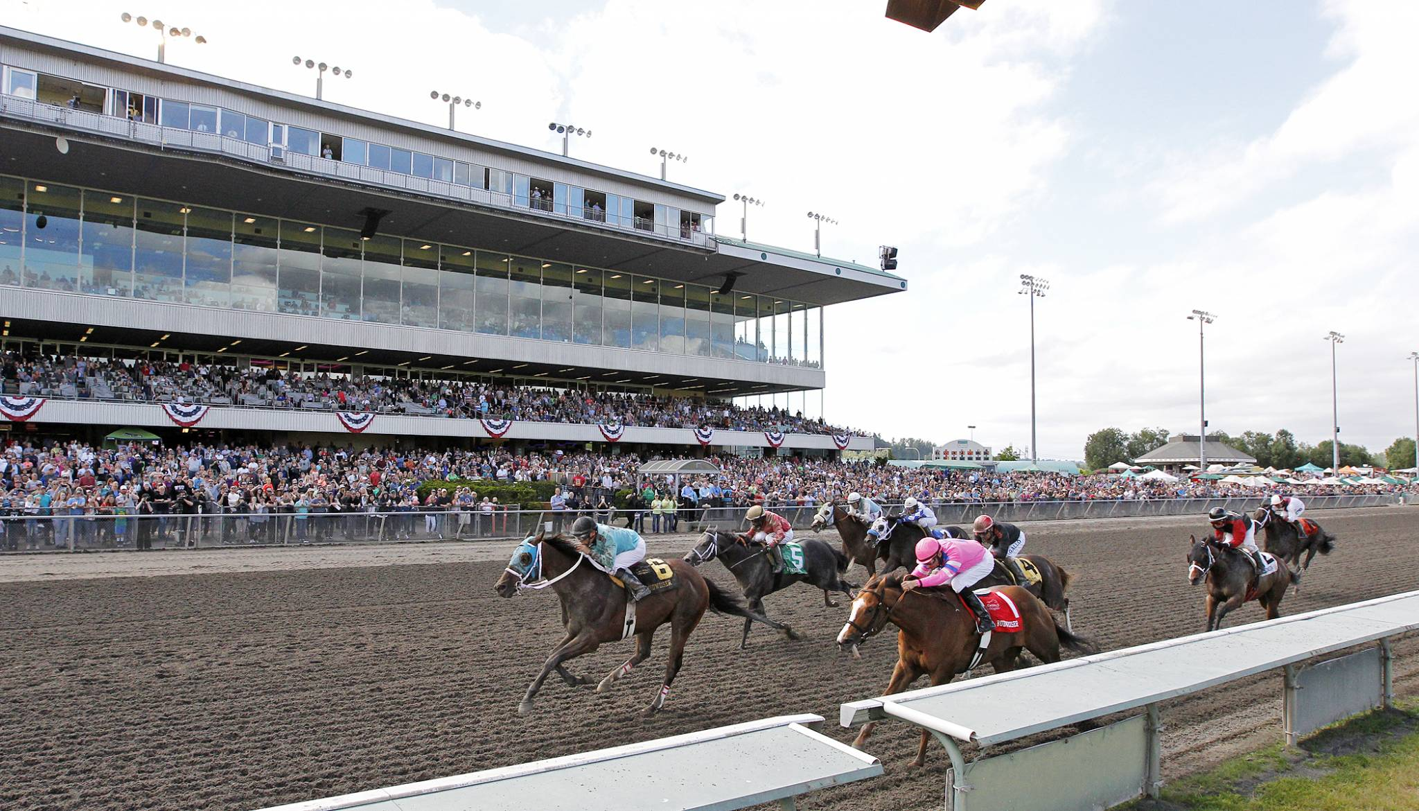 Mach One Rules Takes 50 000 Budweiser Stakes Emerald Downs